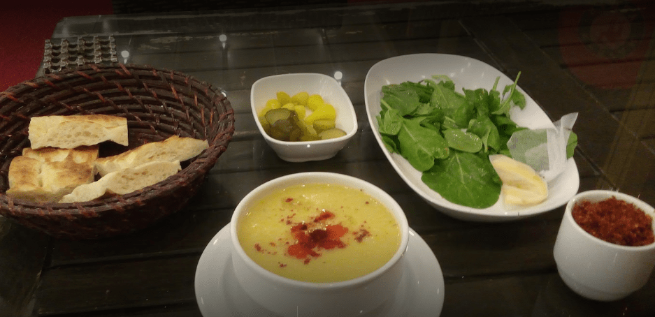 Как подают суп ишкембе в салонах