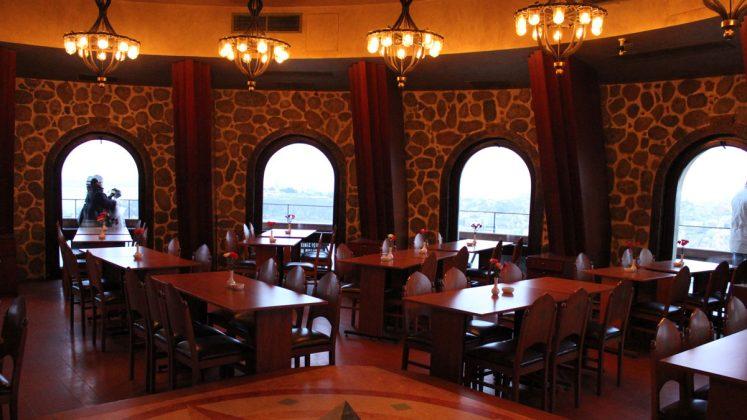 Ресторан внутри башни