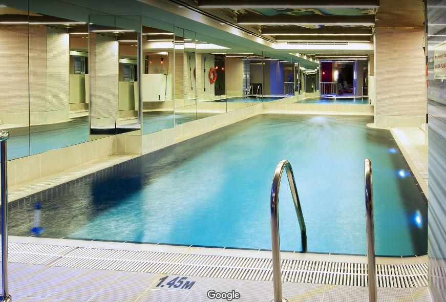 Крытый бассейн в отеле Яшмак Султан