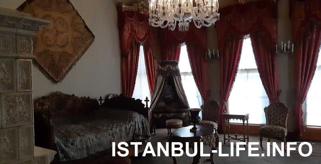Одна из комнат валиде-султан в гареме Долмабахче