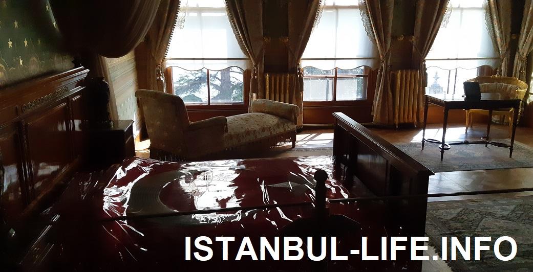 Долмабахче - кровать Ататюрка