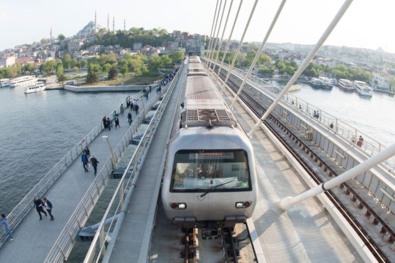 Вид на метро в Стамбуле