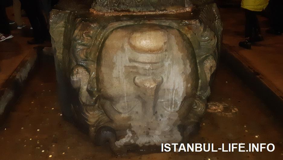 Голова медузы Горгоны в Цистерне Базилка