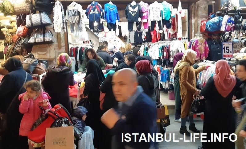 Вещевой рынок Лалели в Стамбуле
