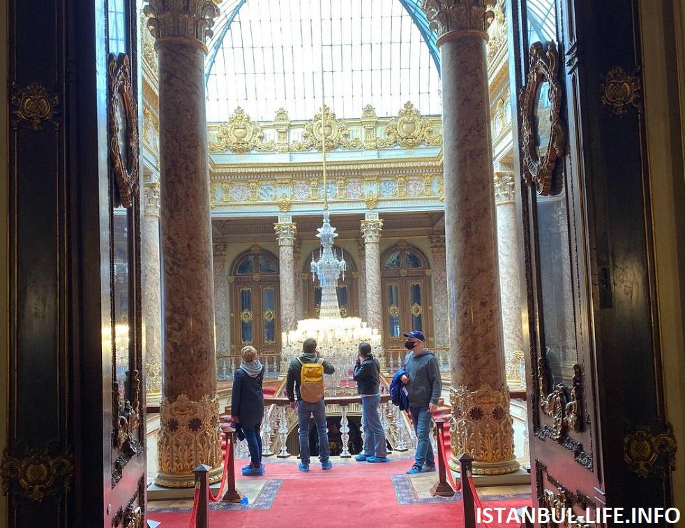 Султанский дворец Стамбула - Долмабахче