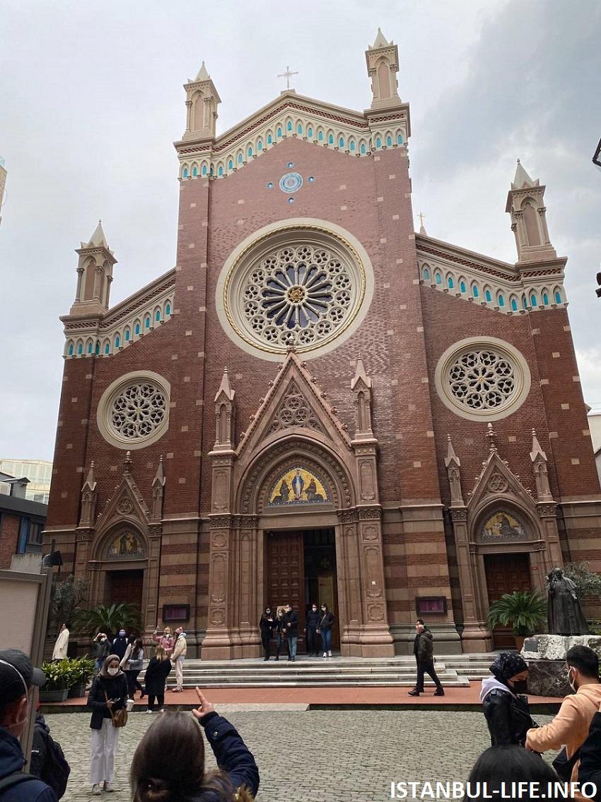 Церковь Антония Падуанского Истикляль